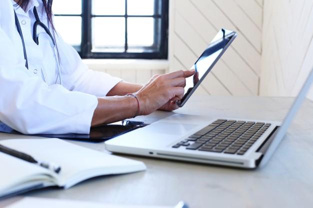 Os prós e contras das consultas médicas online