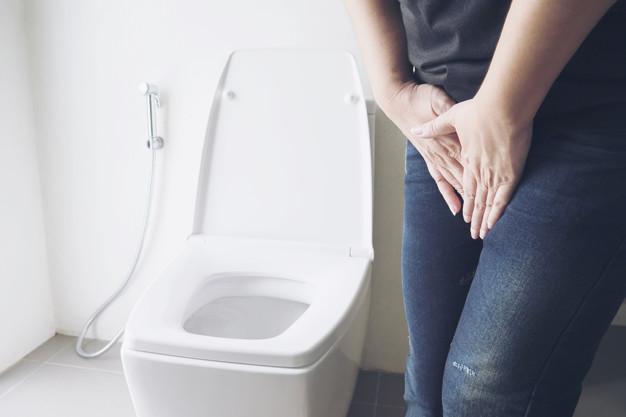 Ardência ao urinar: quando este sinal é preocupante?