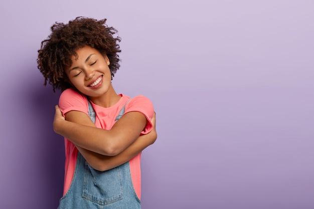 Saúde da mulher: 8 cuidados indispensáveis para corpo e mente saudáveis