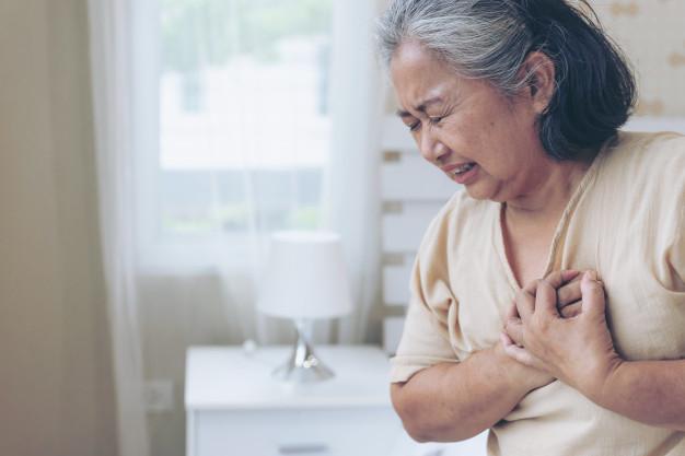 Dor no pulmão: o que pode ser e como agir quando sentir